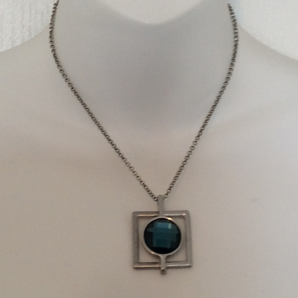Lia sophia jewelry guc pendant necklace poshmark guc lia sophia pendant necklace aloadofball Choice Image